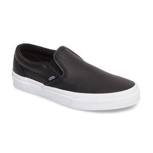 Vans Classic Slip On Sneaker Black Leather 9.5US